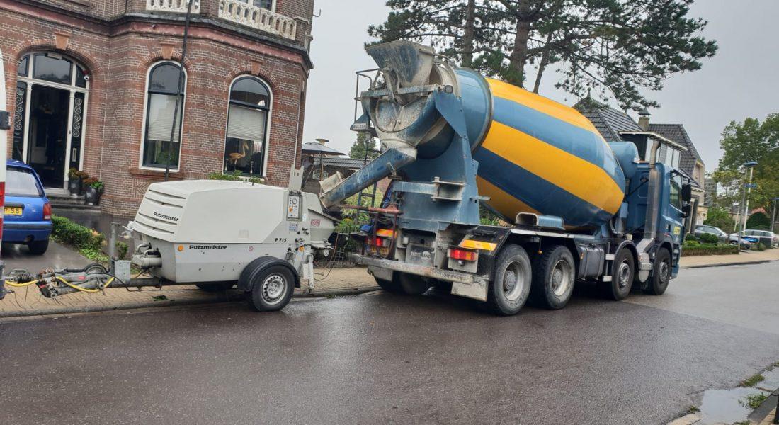 Kleine betonpomp